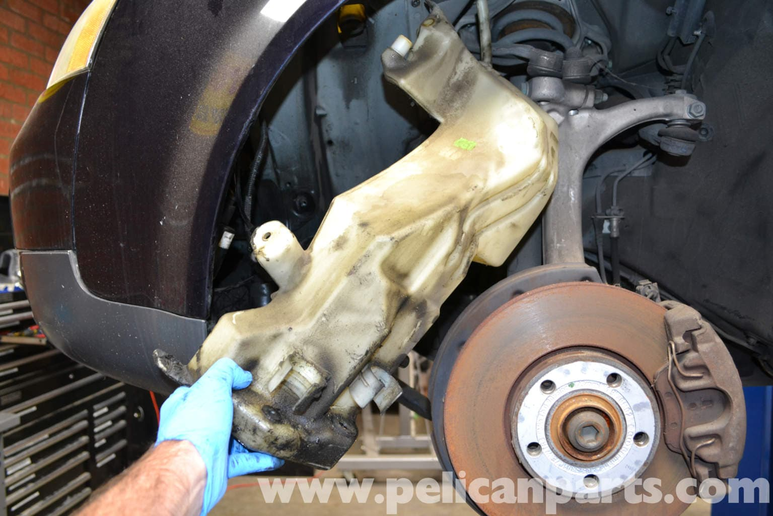 Audi A4 B6 Windshield Washer Reservoir And Pump