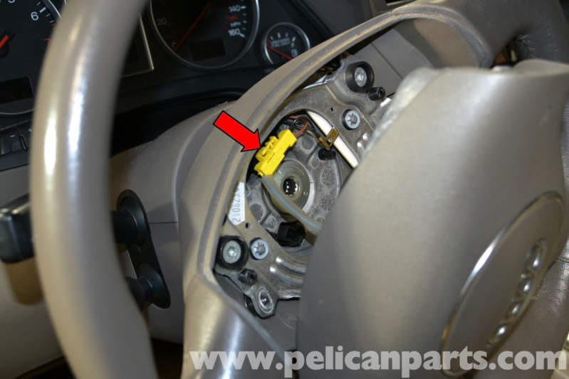 Audi A4 B6 Steering Wheel And Air Bag Removal  2002