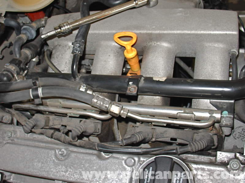 Audi A4 1 8t Volkswagen Fuel Injector Replacement