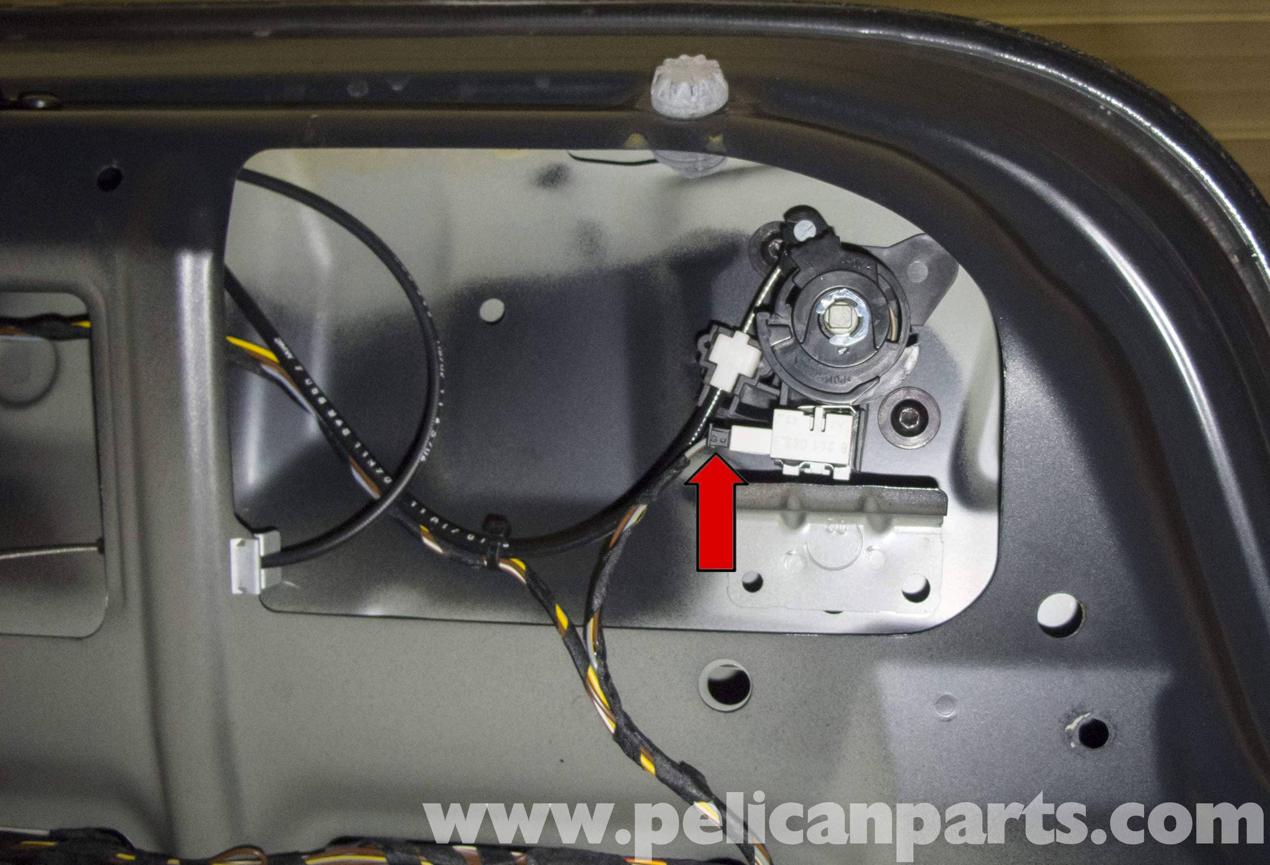 bmw e60 5 series trunk lock cylinder and latch replacement 2003 large image extra large image