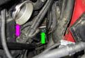Remove the plug from the crankcase.