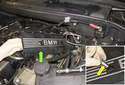 8-cylinder engine: Then lift the cylinder head engine cover off the engine to remove it.