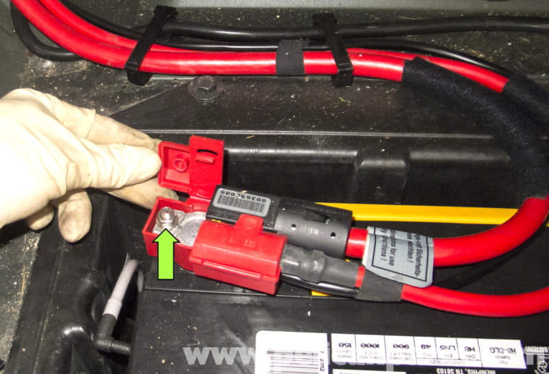 Bmw X5 Battery Replacement Related Keywords Suggestions Rhkeywordbasket: 2004 Bmw X5 Battery Location Pic2fly At Gmaili.net