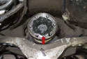 Clean the grease from the differential flange (red arrow).