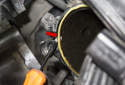 Be sure to replace the throttle body sealing O-ring (red arrow).