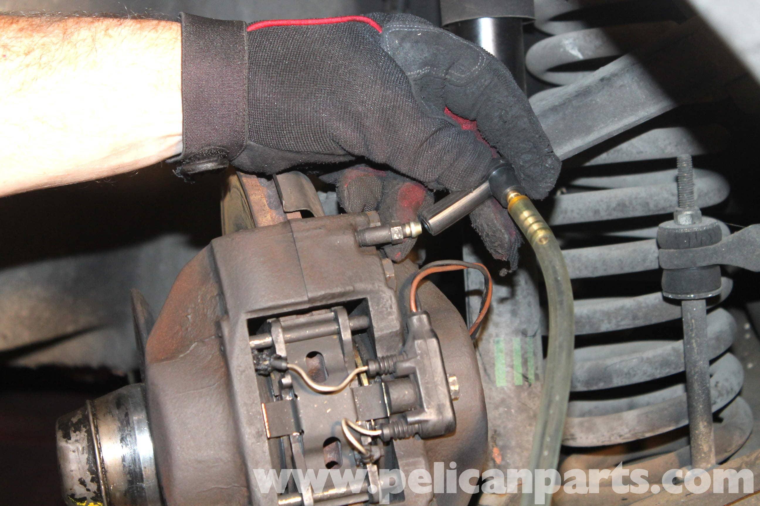 Mercedes Benz R107 Replacing Brake Fluid R107 1972 1980