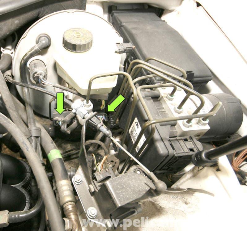 Mercedes benz slk 230 brake assist control module for Mercedes benz brake wear warning light