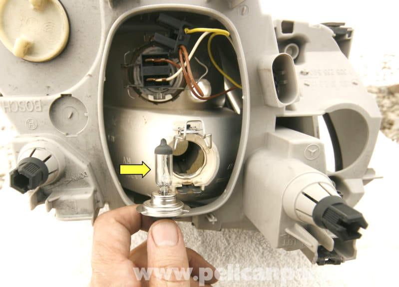 Mercedes benz slk 230 headlight and turn signal light for Mercedes benz light bulb replacement