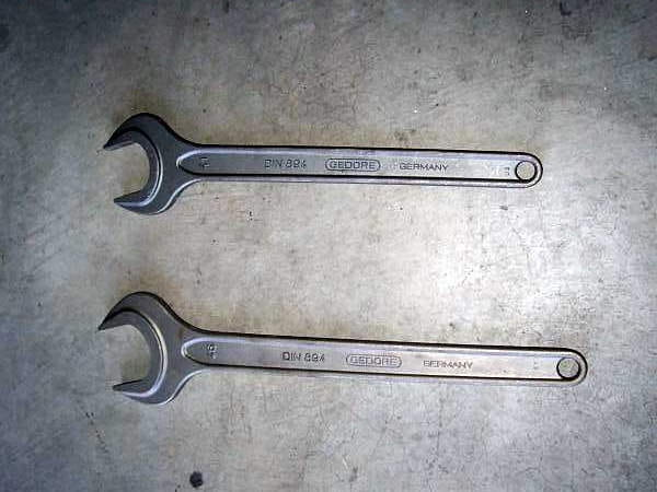 Here are the two wrenches you will need; they are a 41mm and 46mm.