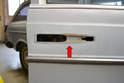 Always clean the area under the gasket on the door (red arrow).