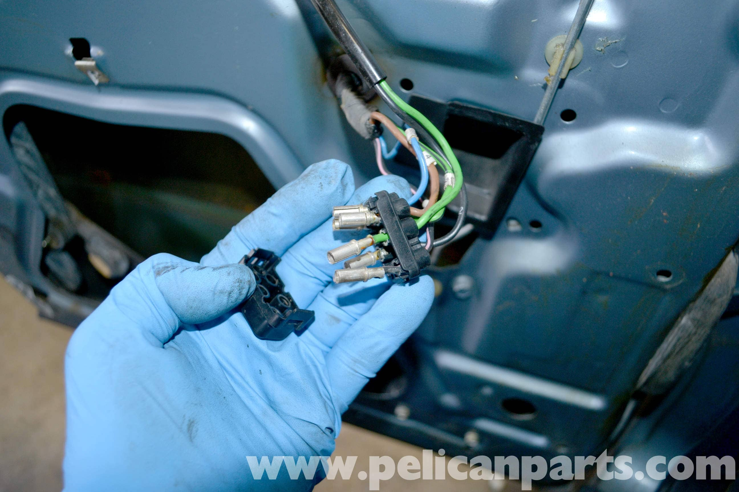 pic05 mercedes benz w123 rear window regulator replacement w123 (1977  at crackthecode.co