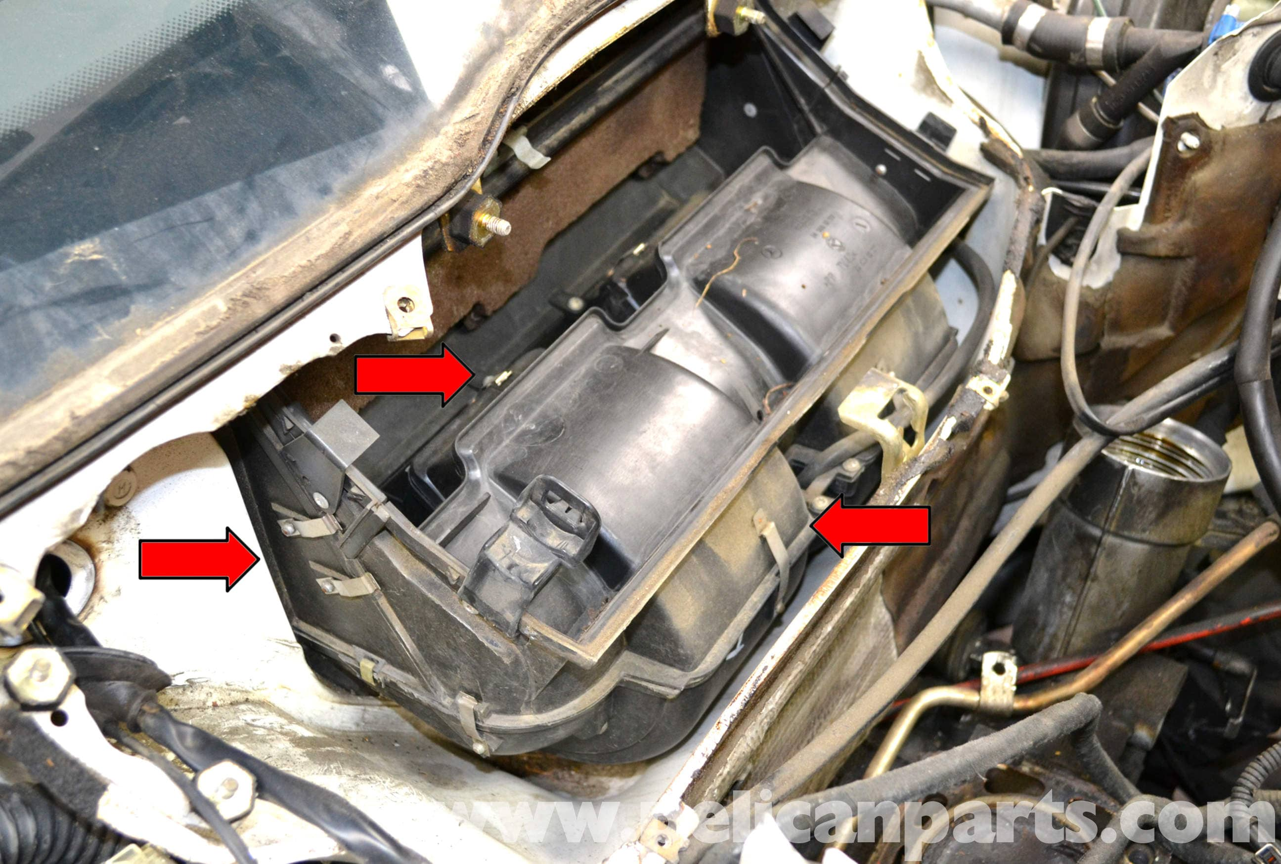 Mercedes W124 300e as well Watch further 04 ENGINE Spark Plug Coil Replacement further Watch additionally 486278 W211 Fuses Relays Sam Modules Chart. on mercedes benz w124 parts