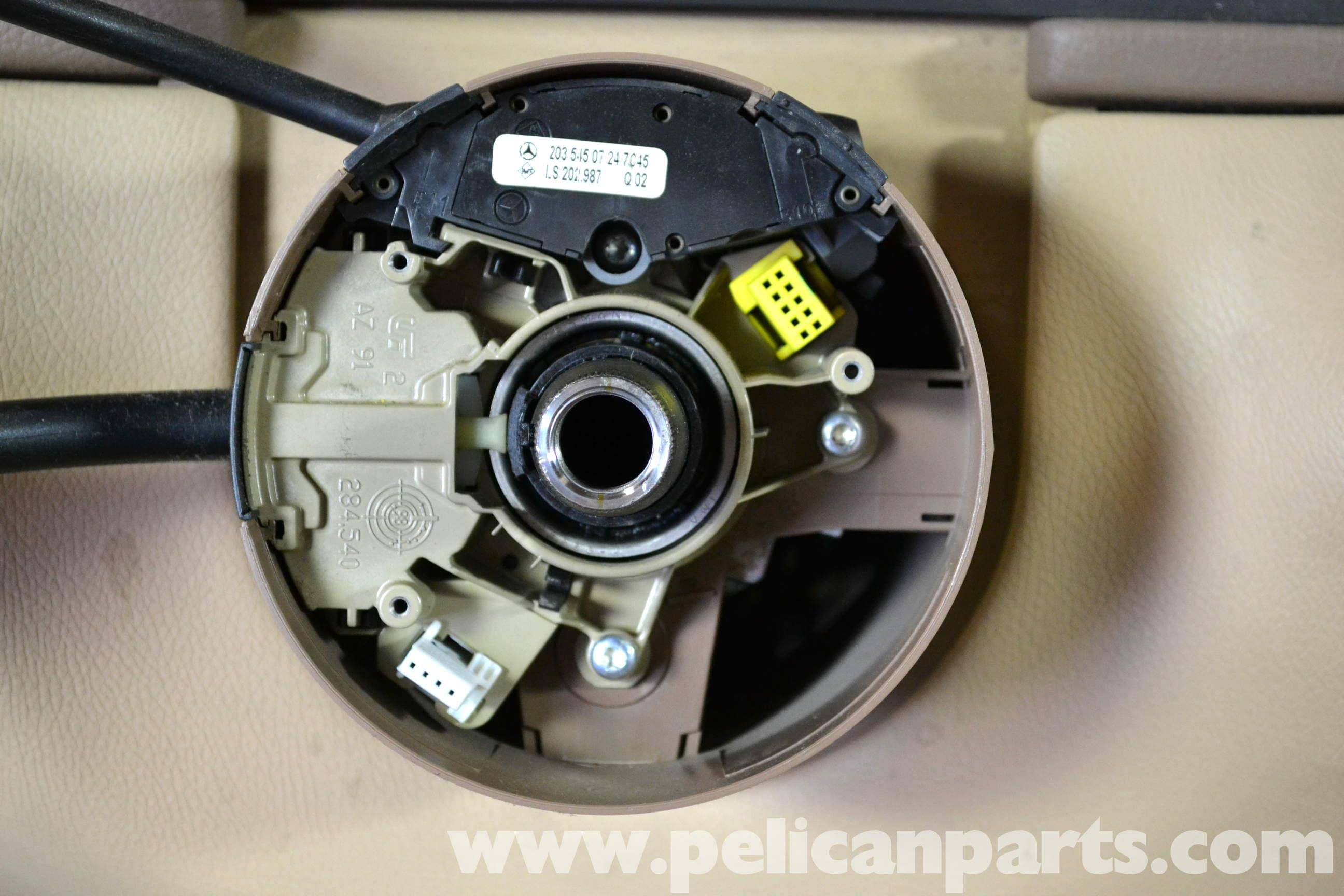 Mercedes benz w203 steering wheel removal 2001 2007 for Mercedes benz c230 battery replacement