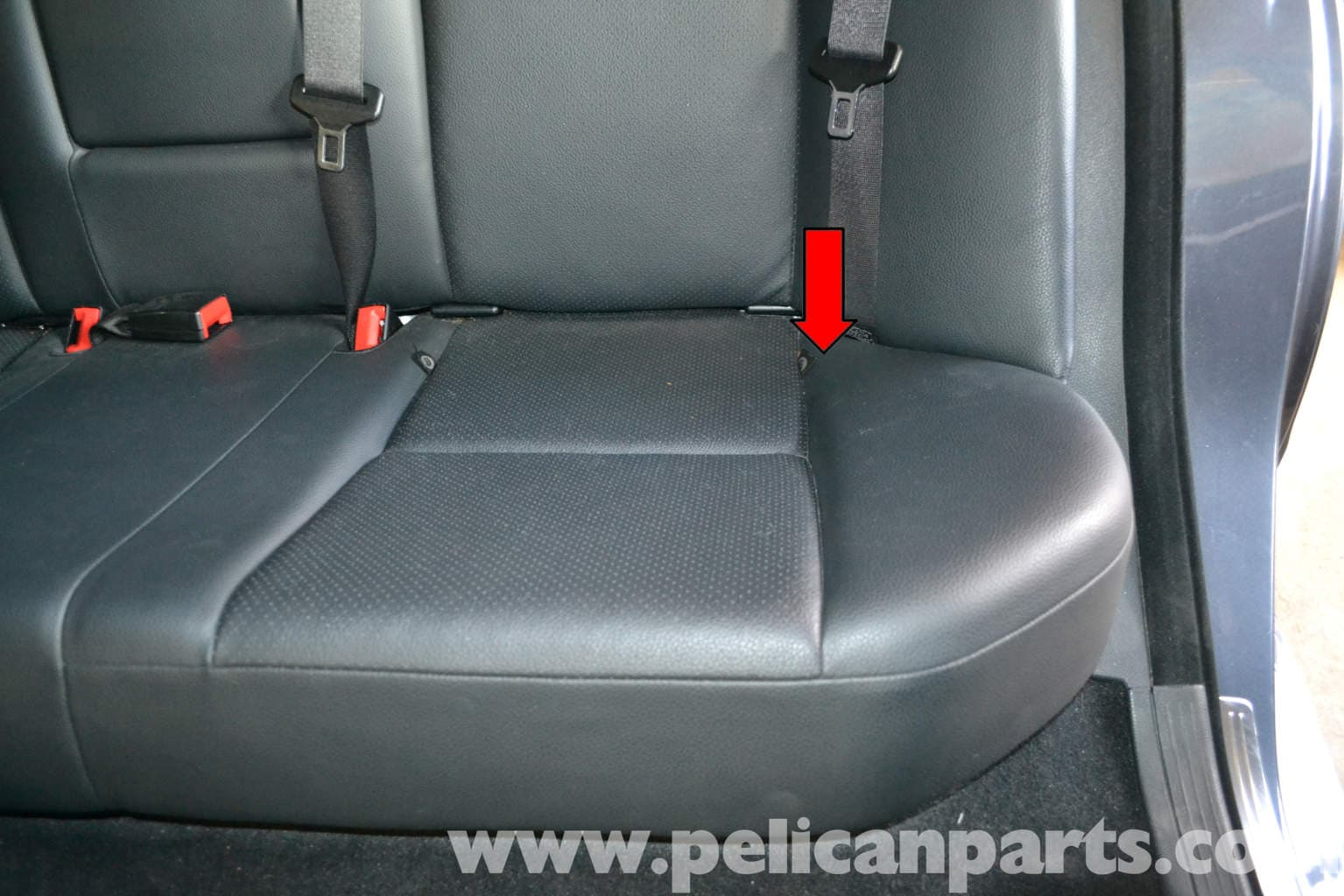 Mercedes benz w204 seat removal 2008 2014 c250 c300 for Mercedes benz replacement seat covers