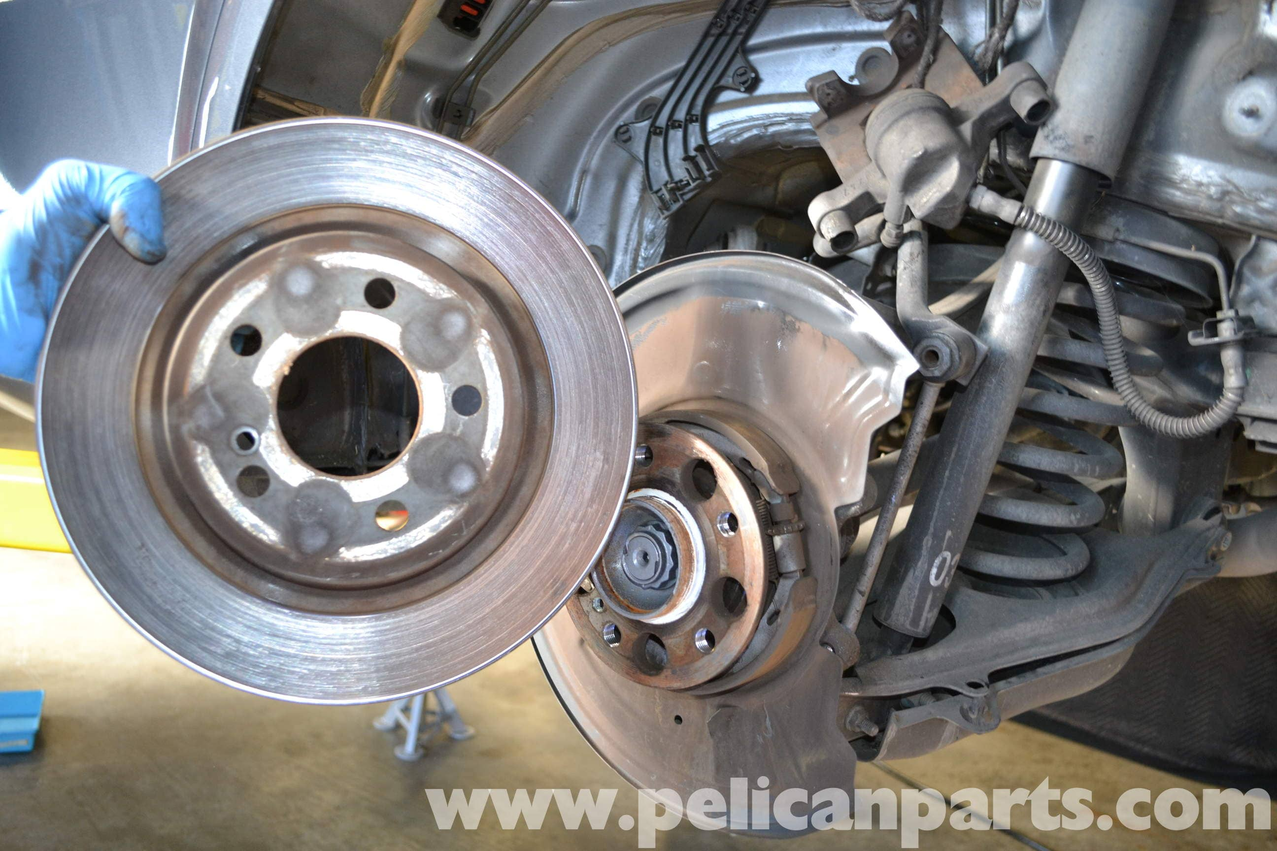mercedes benz w204 rear brake rotor disc replacement