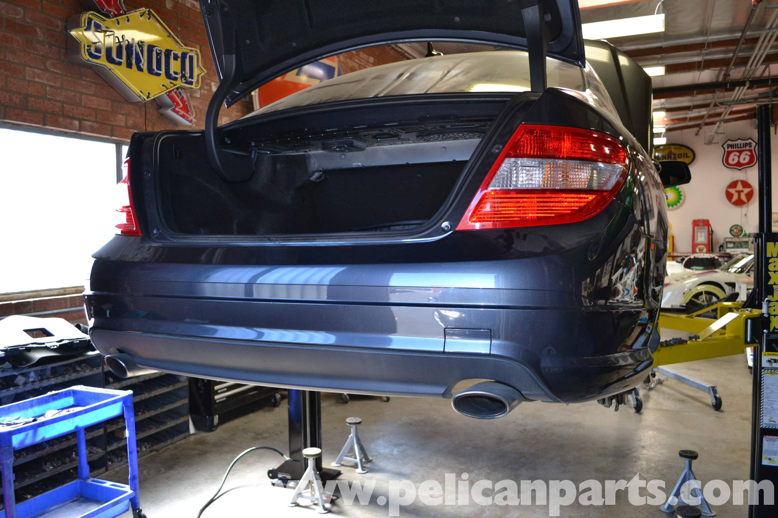 Mercedes benz w204 rear bumper cover removal 2008 2014 for Mercedes benz bumper repair