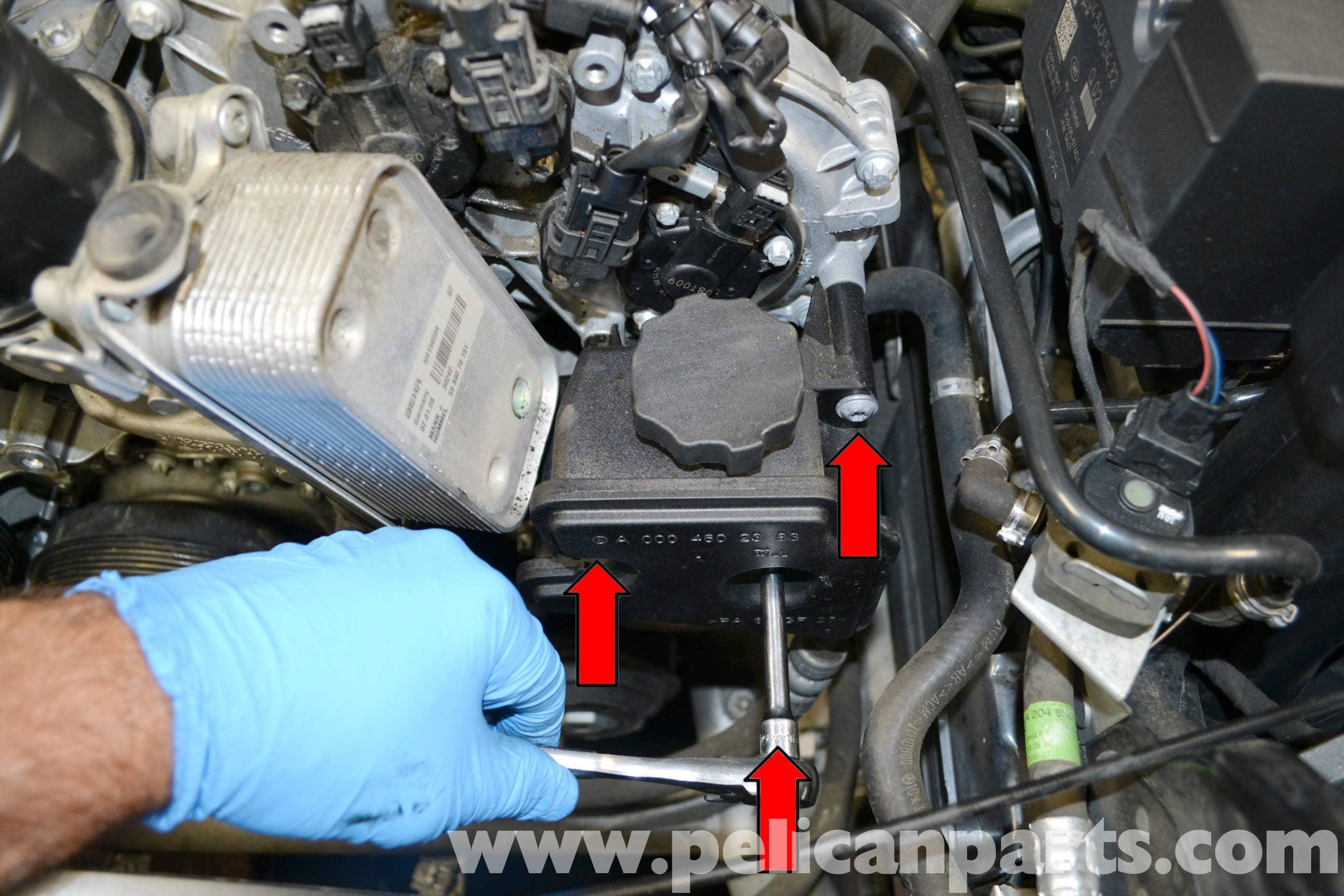 Mercedes benz w204 power steering reservoir replacement for Mercedes benz power steering fluid