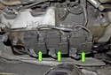 Ignition and knock control: Each engine cylinder is equipped with an ignition coil (green arrows) with two outputs; there are two spark plugs per cylinder.