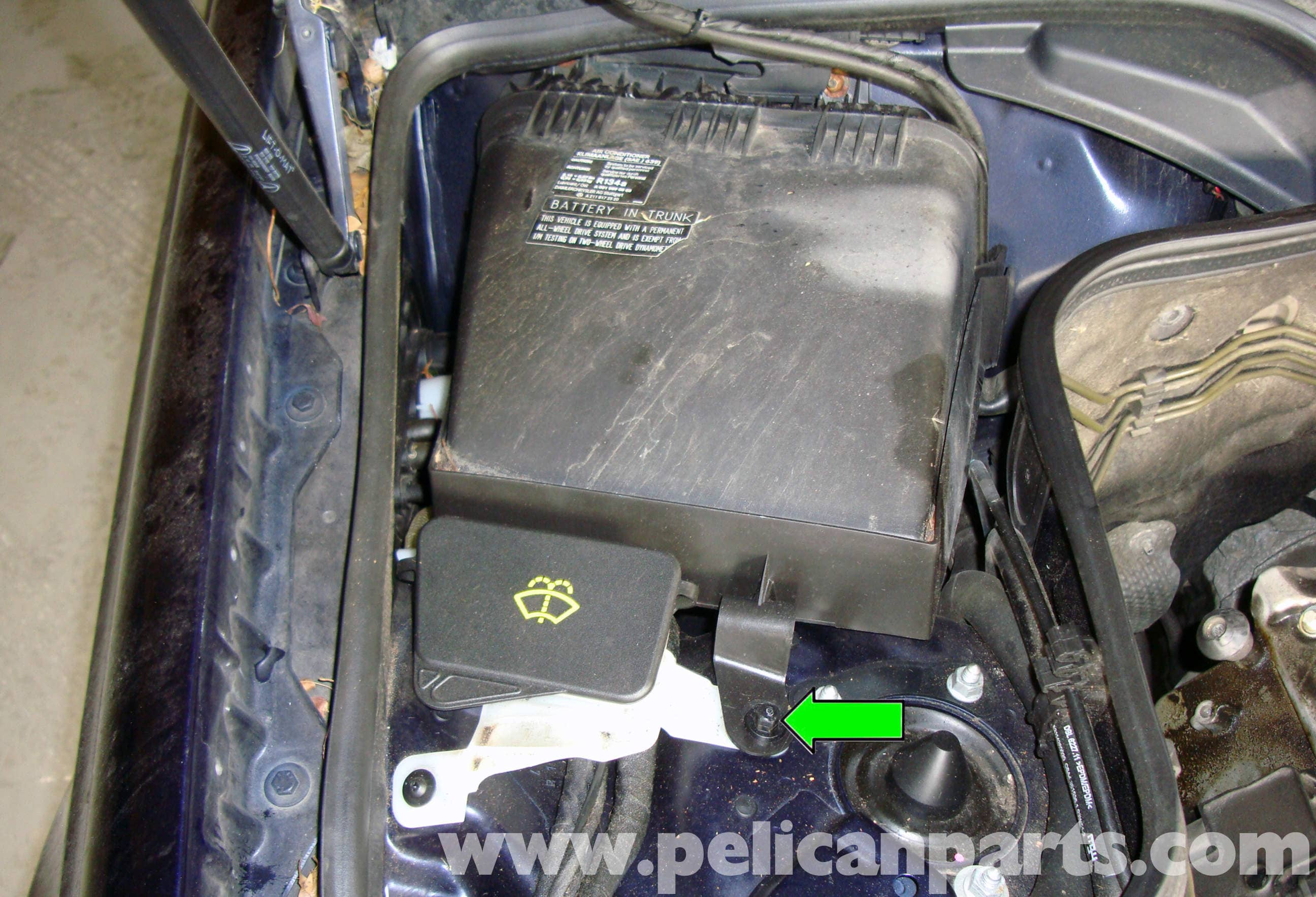 Mercedes benz w211 auxiliary battery replacement 2003 for Mercedes benz e320 battery