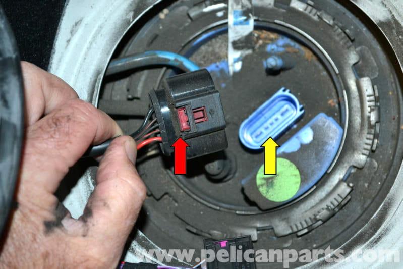 Volkswagen Golf GTI Mk V Fuel Pump Replacement (2006-2009 ...