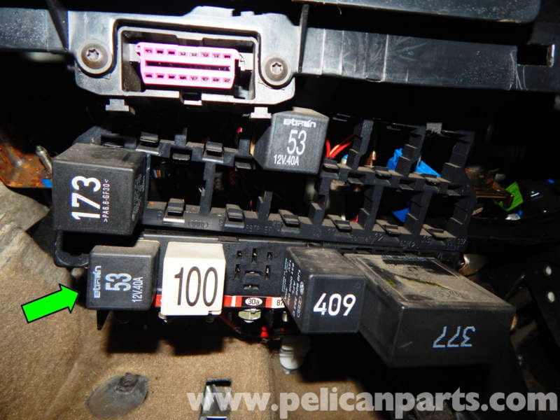 2001 vw jetta relay panel with 152 Body Relay Panel Access And Relay Replacement on Discussion T23446 ds546254 as well 2001 Vw Jetta Headlight Wiring Diagram furthermore 2008 Ford Super Duty F 650 F 750 Passenger  partment Fuse Panel And Relay also 2013 Hyundai Fuse Box Location together with 2002 Jetta Fuse Box.
