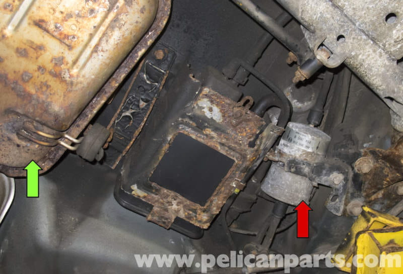 Volvo V70 Fuel Filter Replacement  1998-2007