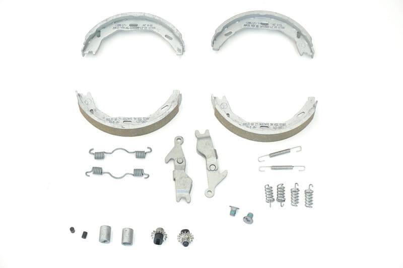 Mercedes-Benz 004 420 86 20 Parking Brake Shoe