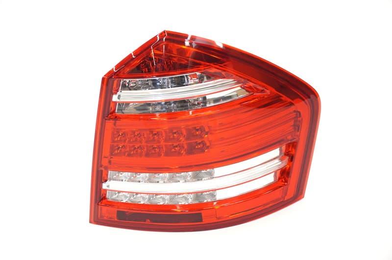 Genuine 1648203664 Tail Light