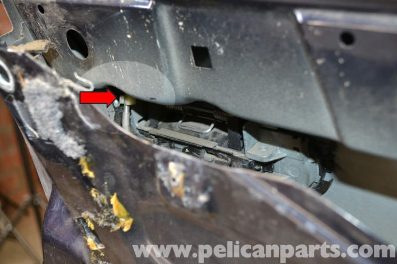 Audi A4 B6 Front Door Handle And Tumbler Replacement  2002