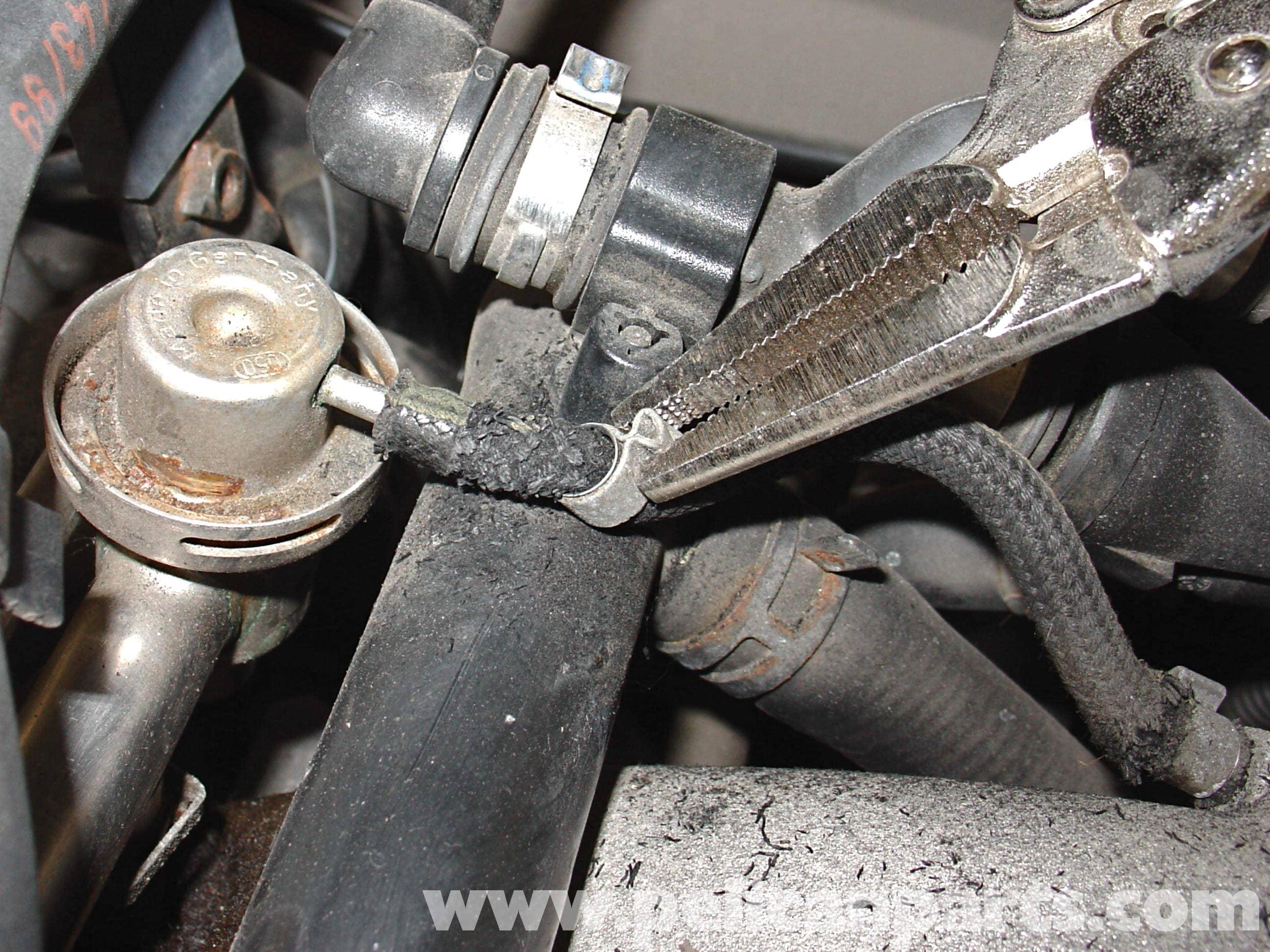 Audi A4 1 8T Volkswagen Fuel Pressure Regulator | Golf