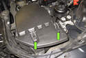 6-cylinder engine without turbocharger: Working at the left side of the intake air housing, unclip the housing lid retainers (green arrows).