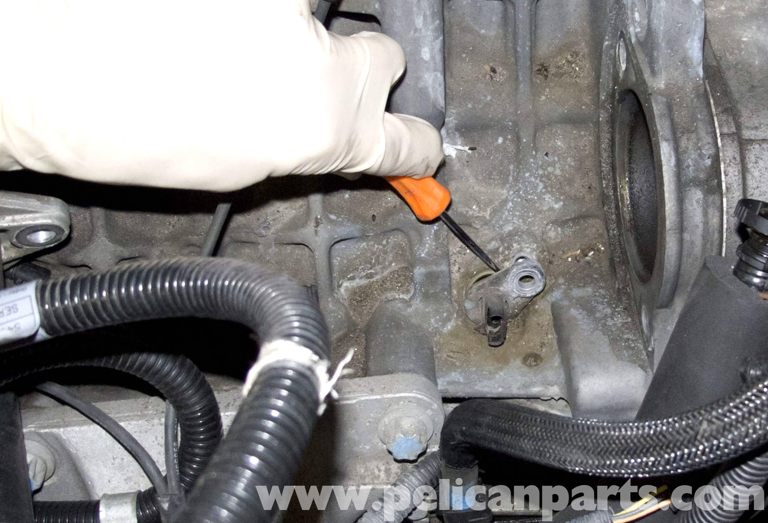 Pic on bmw 325i crankshaft position sensor location