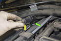 Replacing sensors before catalytic converter: Next, disconnect the electrical connector of the oxygen sensor you are replacing (yellow arrow).