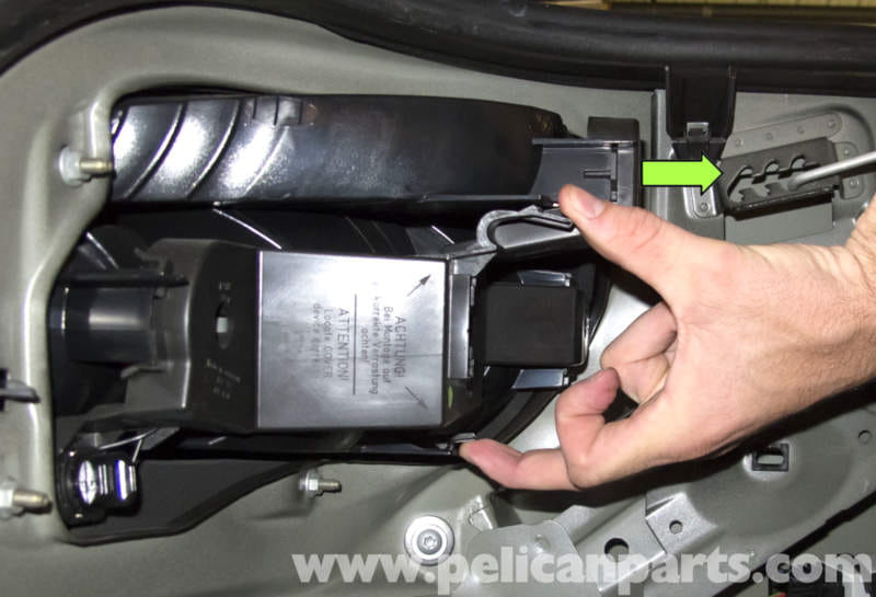 pic04 bmw e60 5 series taillight wiring repair (2003 2010) pelican e60 tail light wiring diagram at metegol.co