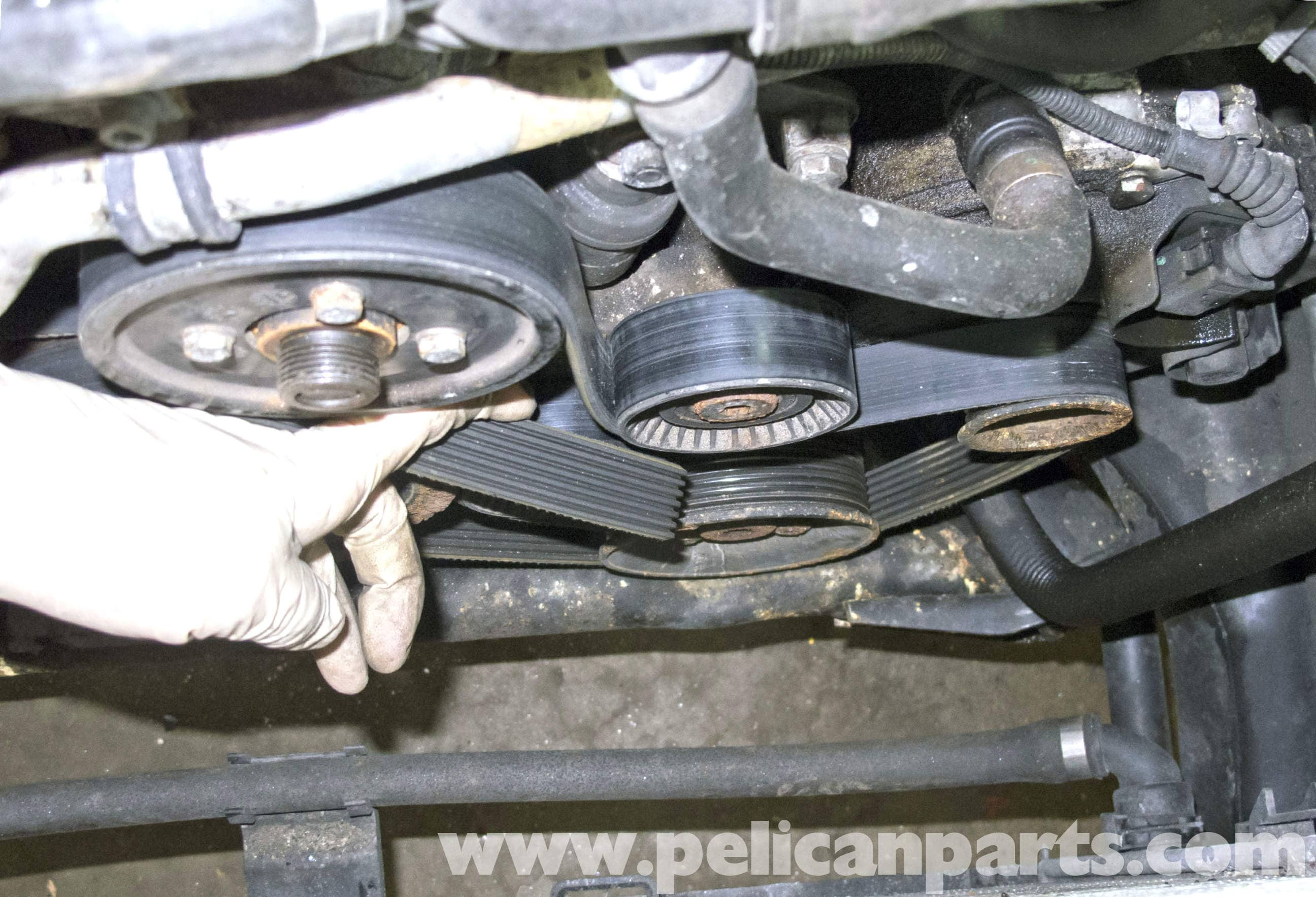 BMW X5 M62 8 Cylinder Drive Belt Replacement E53 2000