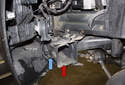 With the wheel well liner removed, you now have access to the brake duct (red arrow).