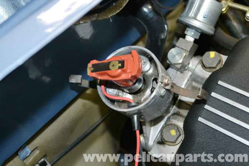 How To Change Brake Fluid >> BMW 2002 Distributor Cap and Rotor Replacement (1966-1976 ...