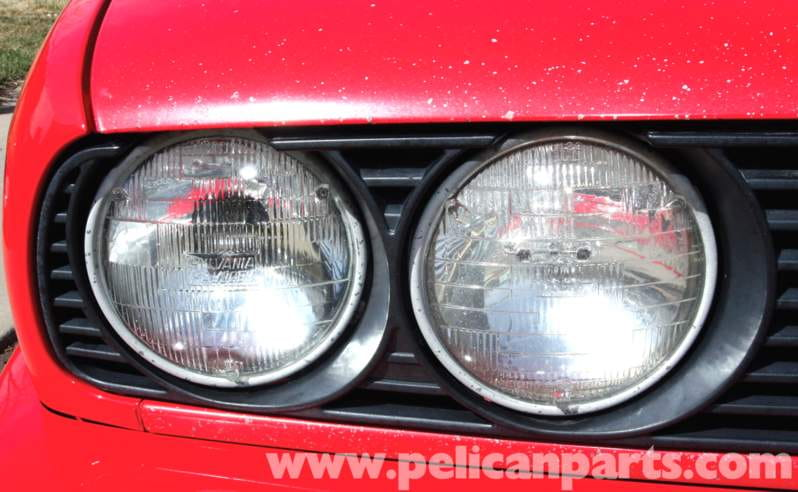 All US-market E30s were shipped with these rather poor sealed-beam headlights