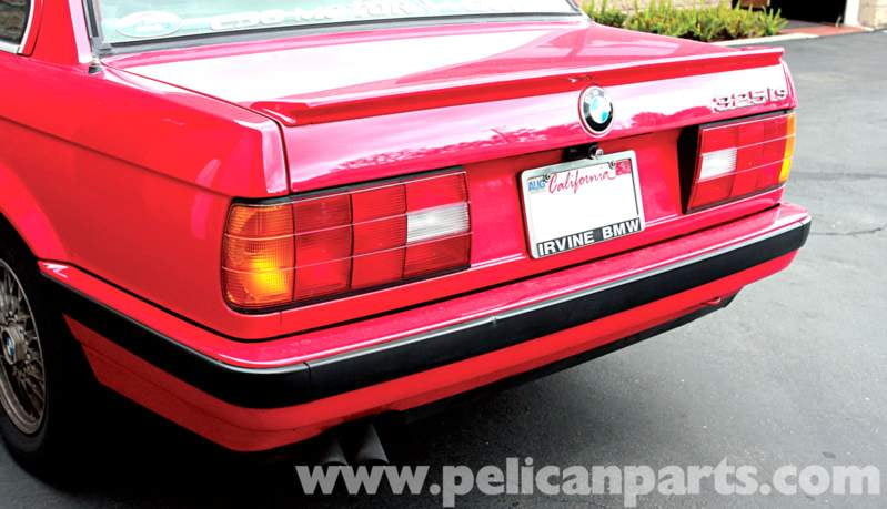 The post-facelift rear is bumper is much more difficult to fit to the earlier cars because BMW changed the shape of the rear wheel arch in 1987