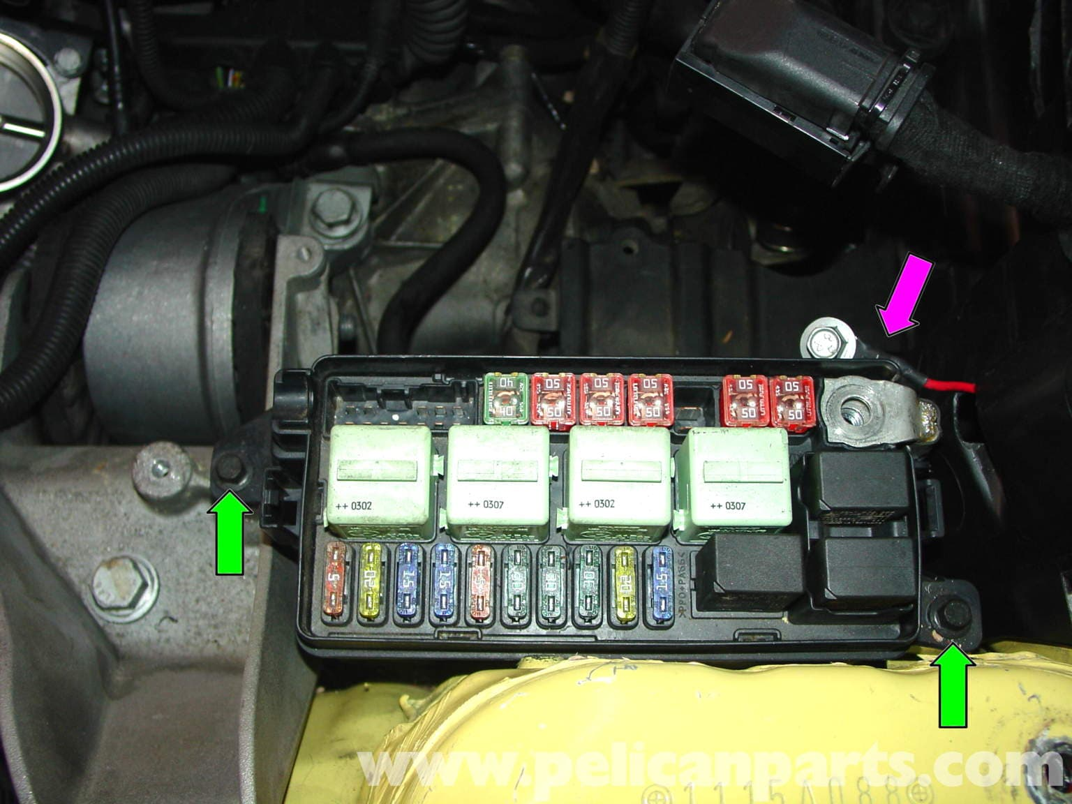 mini cooper engine compartment fuse box 2006 mini cooper engine compartment diagram