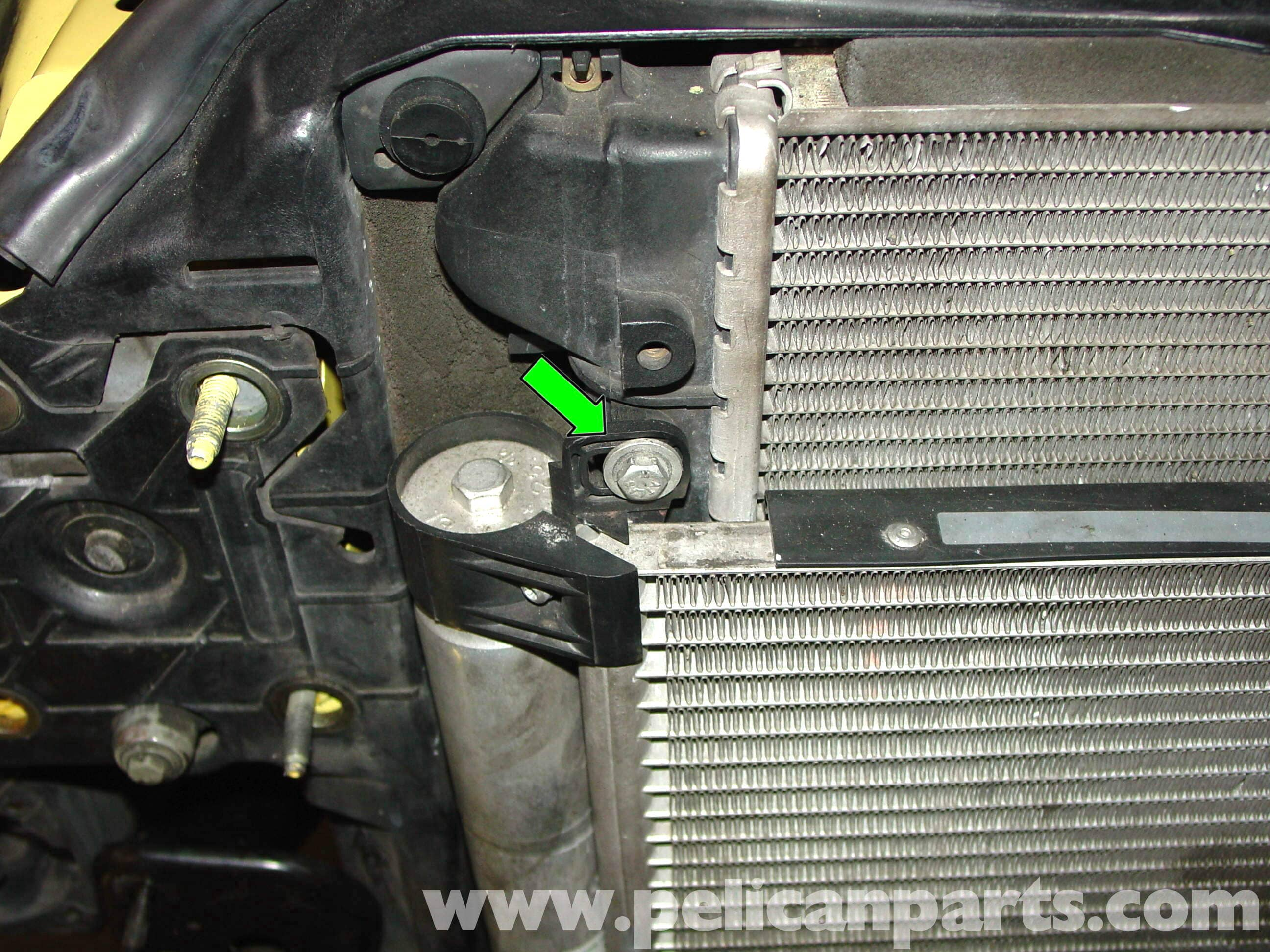 pic02 mini cooper radiator, thermostat and hose replacement (r50 r52 r53 mini cooper 2004 ac wiring diagram at gsmportal.co