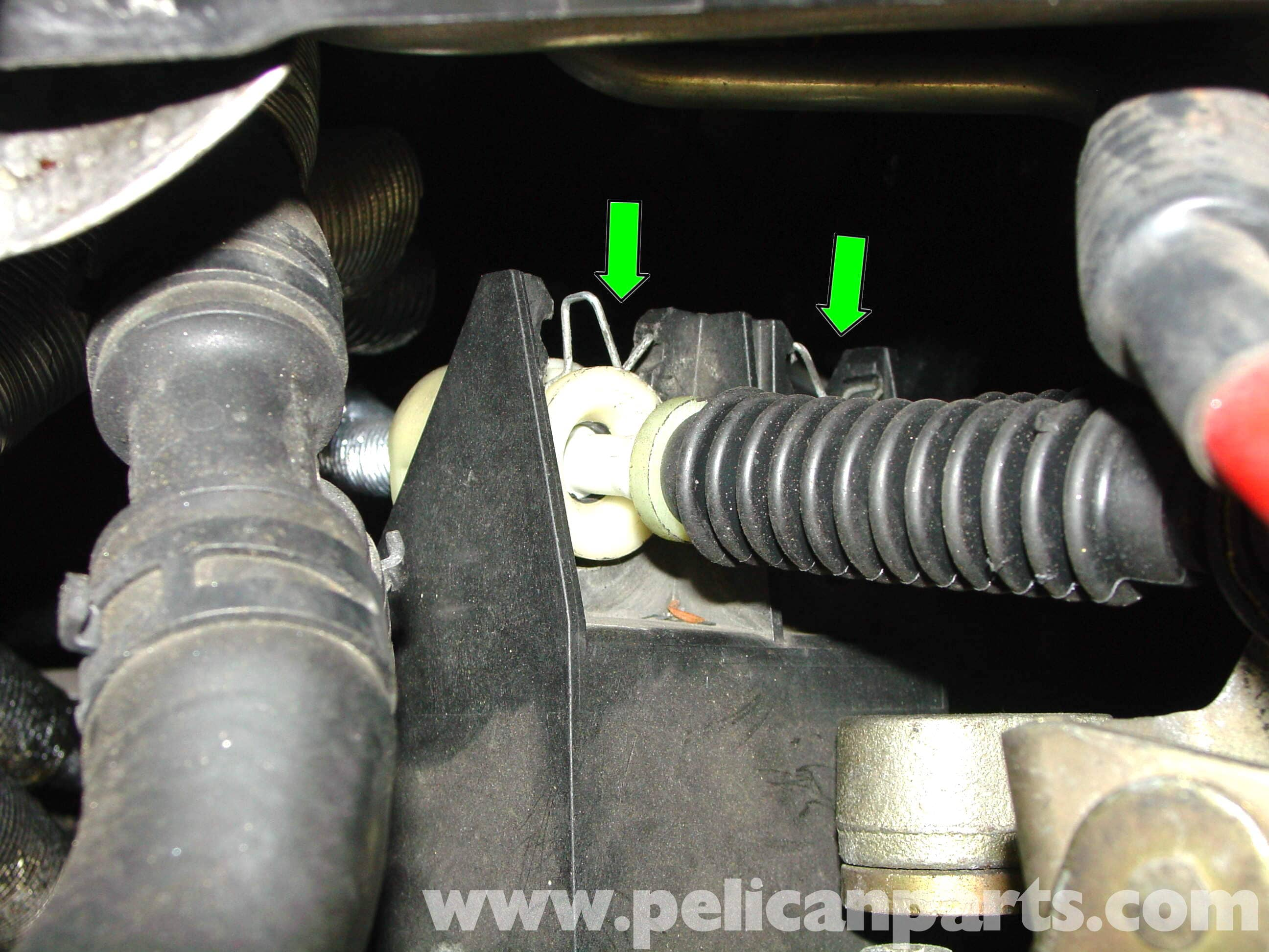 pic04 mini cooper shift cable replacement (r50 r52 r53 2001 2006 5 Speed Manual Transmission Diagram at alyssarenee.co