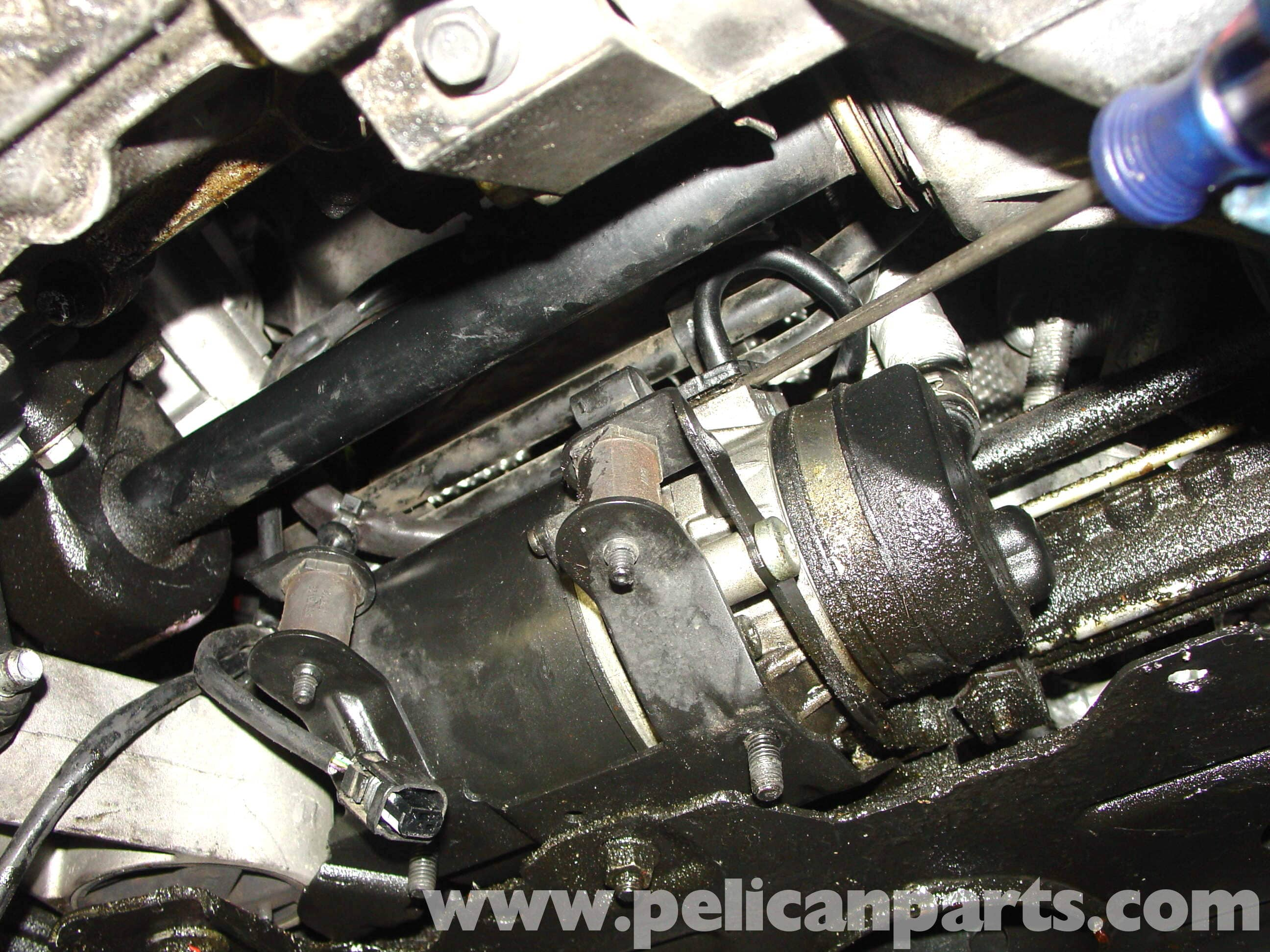 pic08 mini cooper power steering pump replacement (r50 r52 r53 2001 2006 5 Speed Manual Transmission Diagram at alyssarenee.co