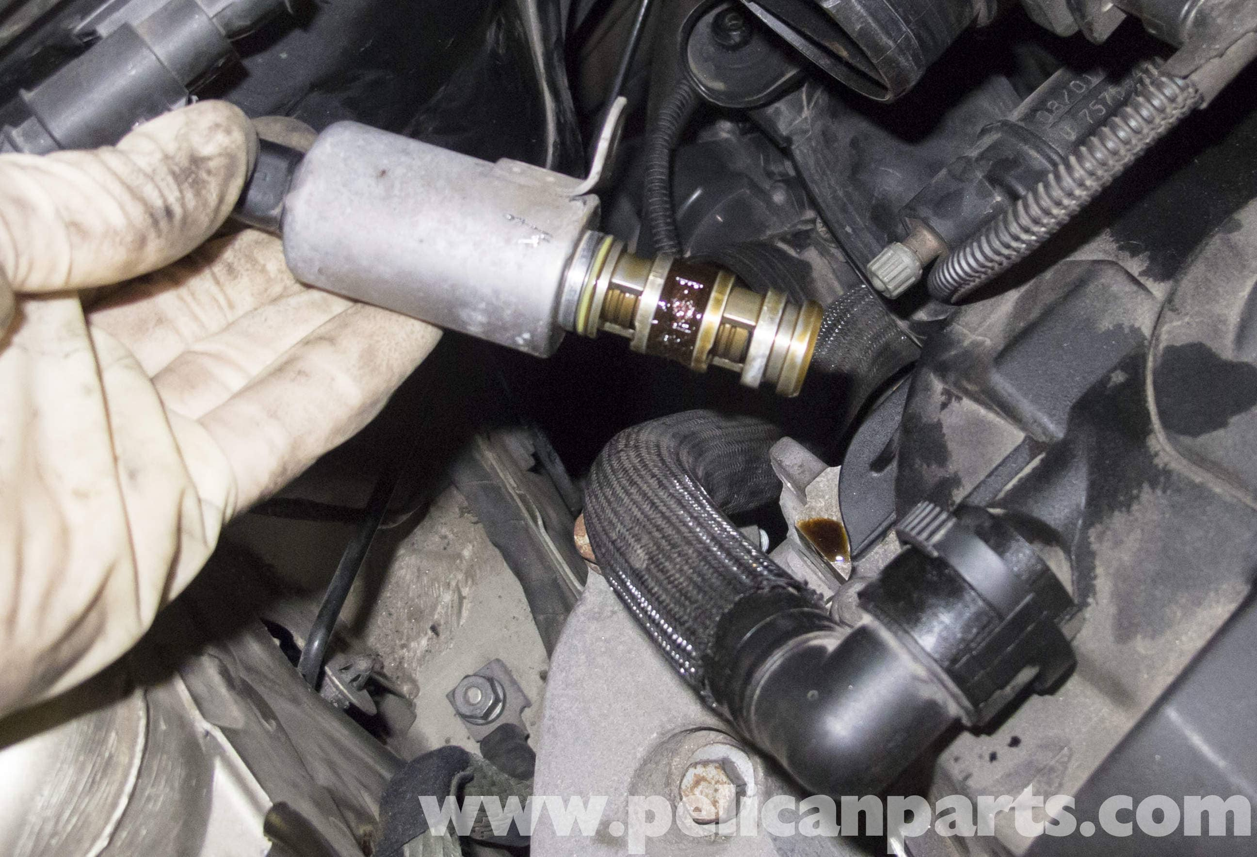 MINI Cooper R56 VANOS Solenoid Replacement (2007-2011
