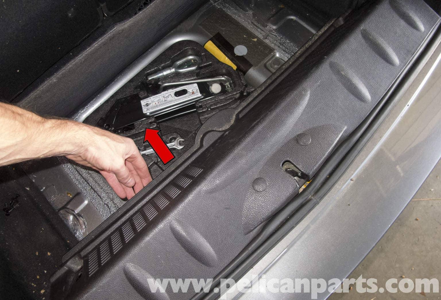 Mini Cooper R56 Tailgate Latch Replacement 2007 2011