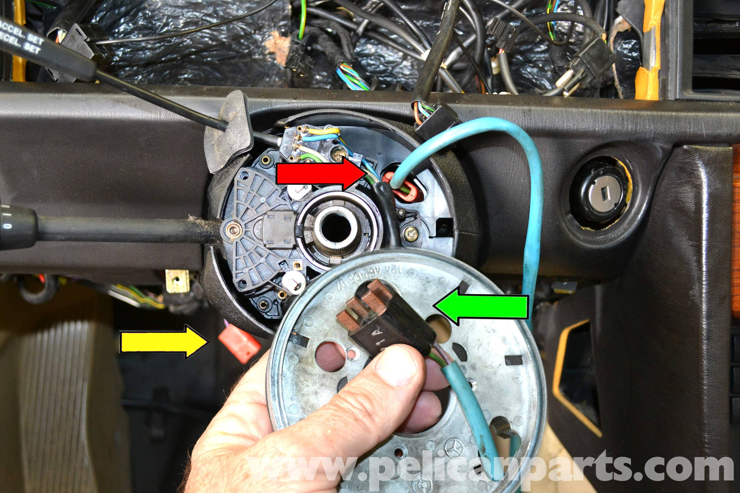 pic10 mercedes benz 190e steering wheel removal and replacement w201 GM Radio Wiring Diagram at readyjetset.co