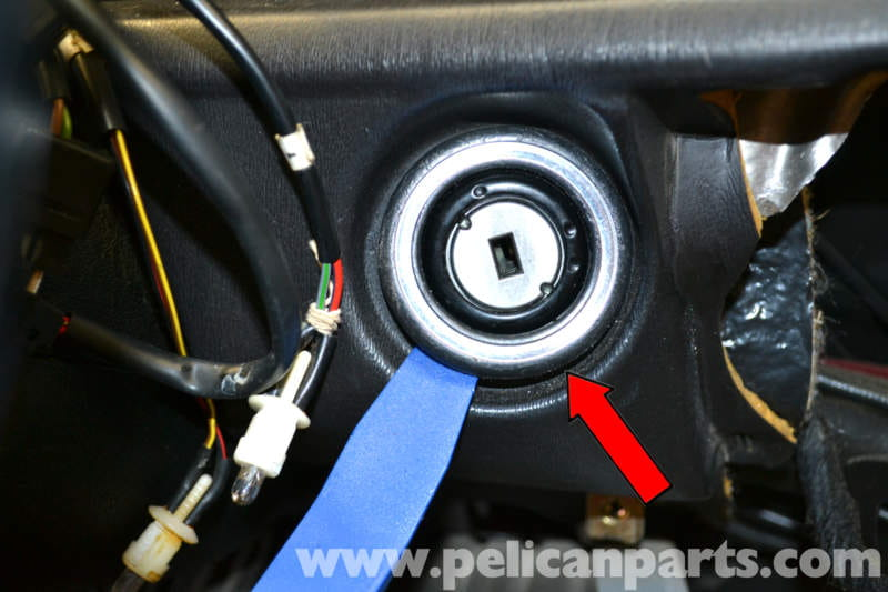 pic04 mercedes benz 190e ignition switch and lock replacement w201 2015 Mercedes 500SL at panicattacktreatment.co