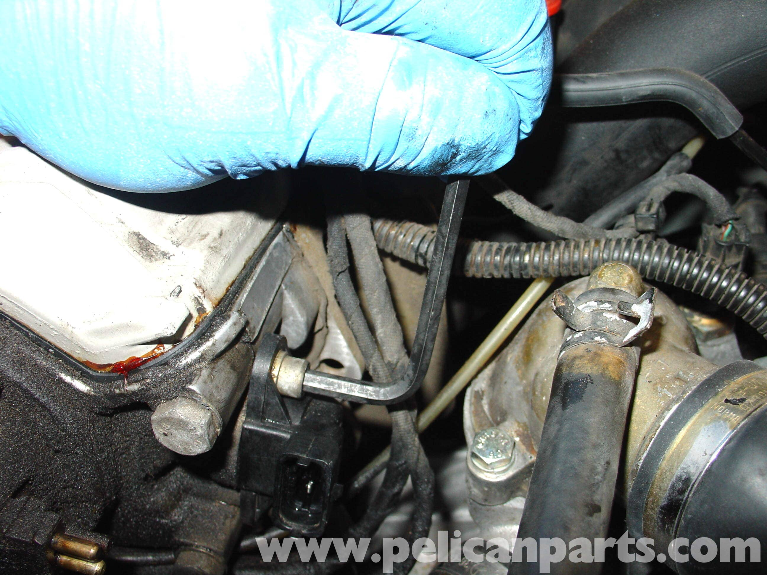 Mercedes-Benz W210 Camshaft Position Sensor Replacement