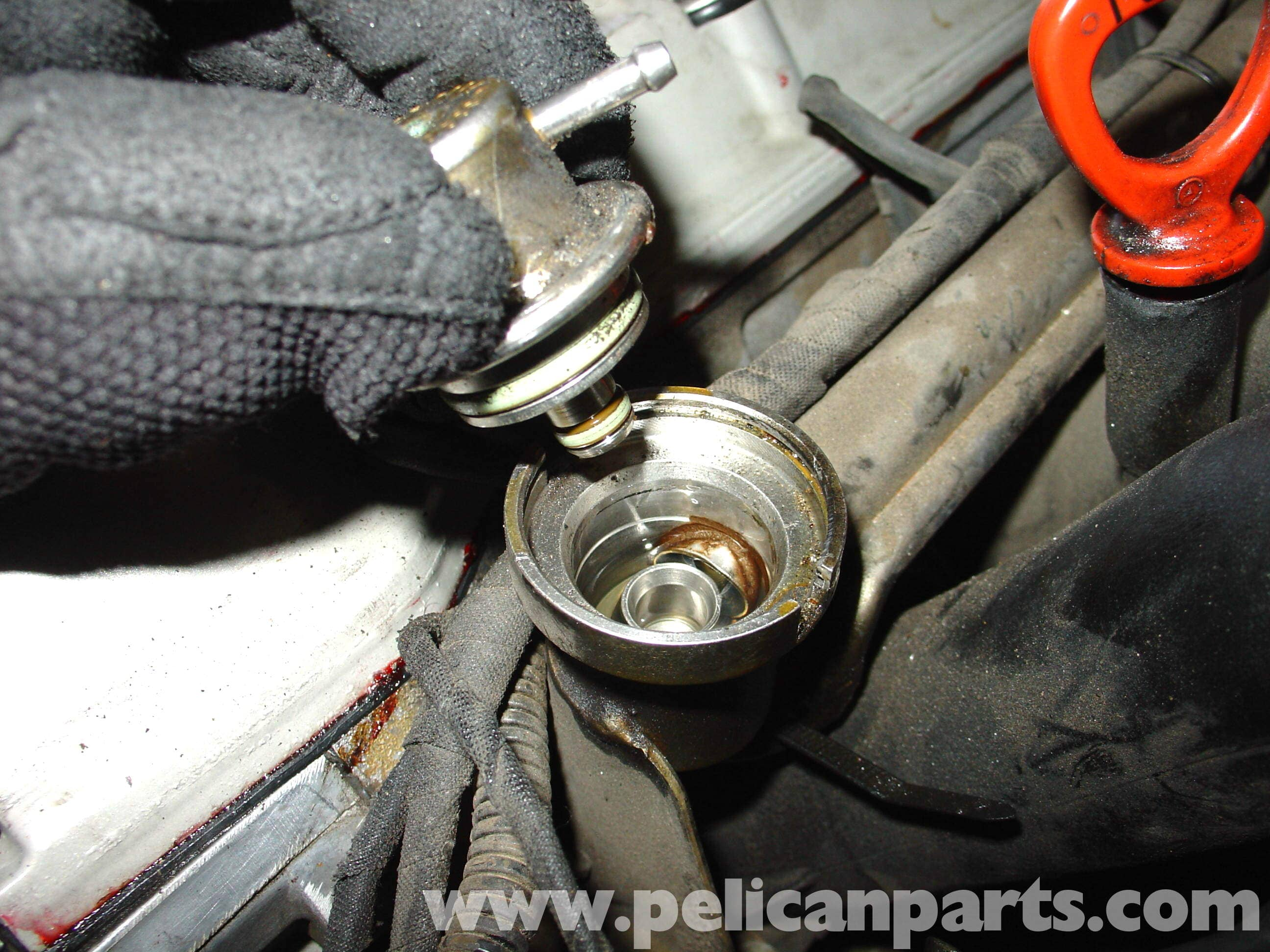 pic04 mercedes benz w210 fuel pressure regulator replacement (1996 03 Mercedes Fuel Pump Relay Troubleshooting at pacquiaovsvargaslive.co