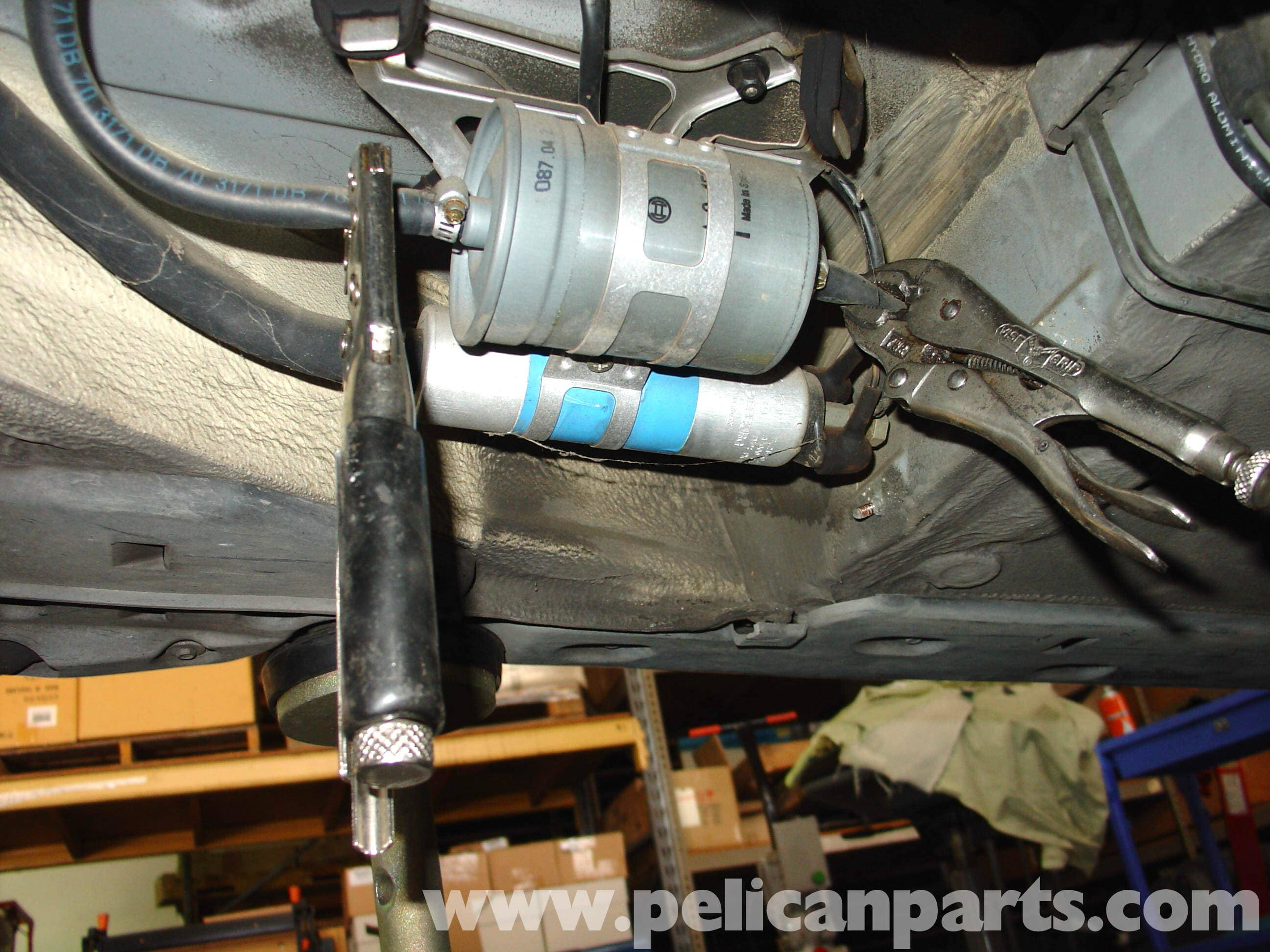 pic04 mercedes benz w210 fuel filter replacement (1996 03) e320, e420 Wire Harness Assembly at metegol.co